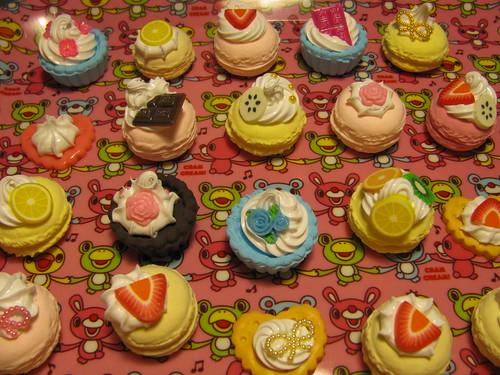 fake cakes
