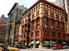 NYC - Soho, buildings (Guenther Lutz) Tags: 2001 nyc newyorkcity usa manhattan sony soho may cybershot impact northamerica newyorkstate
