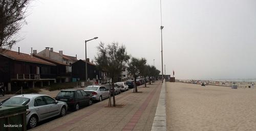 As casas dos pescadores, em frente à praia e ao mar