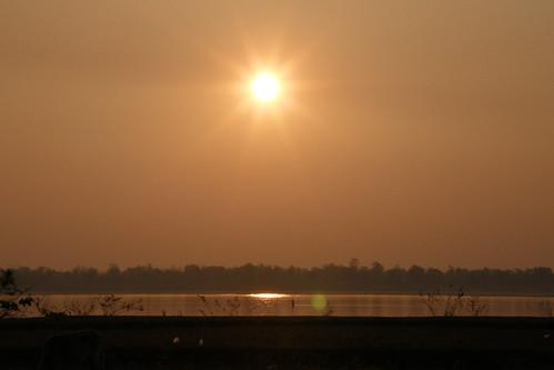 012.湄公河的日出 (8)