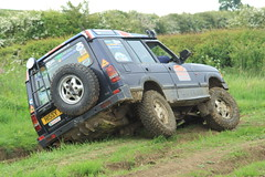 Melton Mobray (boddle (Steve Hart)) Tags: road green cars car club automobile play mud 4x4 rover off pay land coventry muddy warwickshire automobiles defender roader offroader greenlaning plugging laning plugger discovey