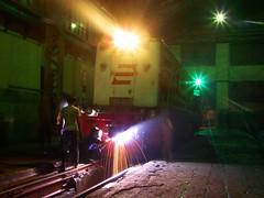 CC203-25 Locomotive @ Dipo Jatinegara (chris railway) Tags: las station train indonesia tren eisenbahn railway zug late trem bahn treno ka spoor locomotora coupler dipo ferrocarriles treinen ferrocarril ferrovia treni spoorweg makina  locomotiva   terlambat chemindefer  rusak locomotief pocig       lokomotywa gambir   locomotore keretaapi jatinegara ferroviarie cc203  perbaikan trainphotography  ngst  coppler argobromoanggrek  tuho    surabayapasarturi traksi oto sambungankereta   umayxela sidulich  eisenbahnzgen ferrovipathe ferrovira fotografiaferrovira