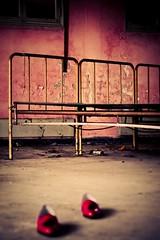 Every place... a story... (Funky64 (www.lucarossato.com)) Tags: muro abandoned wall shoes rusty rosa crusty scarpe sutor coccodrillo ruggine ferro letti lusso montenapoleone abbandono metallo reti degrado mocassini convitto lucarossato funky64 sutormantellassi
