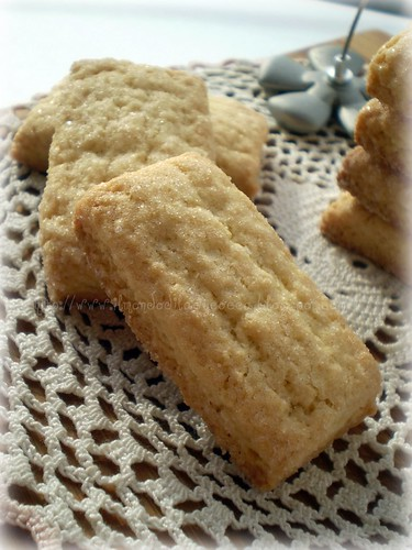 Biscotti di frolla al burro e olio