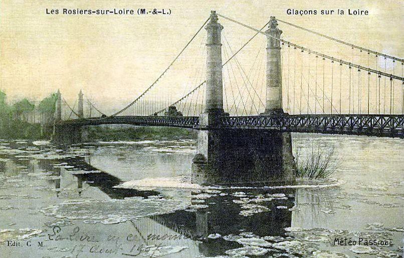 embacle de la Loire à Saumur pendant l'hiver 1907
