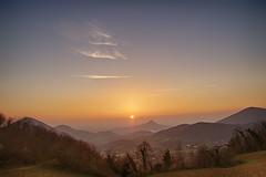 Tramonto sui Colli Euganei (tampurio) Tags: sunset sky italy panorama sun sunlight tree sunrise landscape italia tramonto sony hill hills cielo tramonti sole paesaggi paesaggio colline collina veneto collieuganei colli abigfave slta58