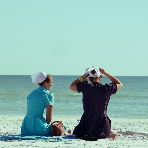 Day 7 : Amish girls in Siesta Key Beach