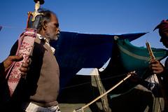 IMG_2791 Weapons traders (Swiatoslaw Wojtkowiak) Tags: travel india black asia arms market fair bow weapon indien rajasthan inde mela trader     beneshwar