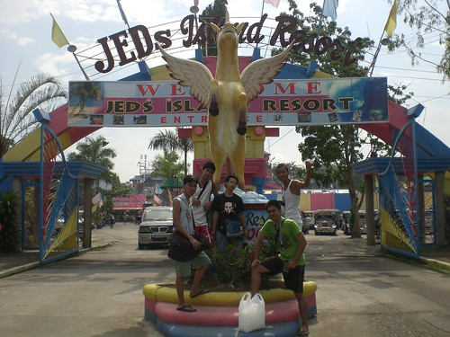 Jed's Island Resort Outing