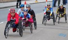 Marathon (9) (McTumshie) Tags: wheelchair londonist sandragraf floralondonmarathon2009 christiedawes