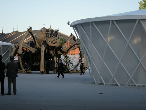 Giant Robot Spider