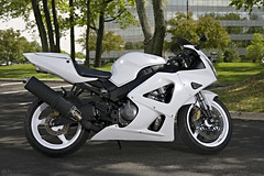 the white knight cbr 929rr (dkfx photography) Tags: white honda motorcycle sportbike whiteknight powdercoated cbr crotchrocket fireblade 929 cbr929rr 929rr thewhiteknight