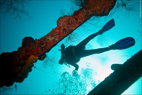 Heli-diving with Marc Sluszny on the wreck of the Superior Prodcer.