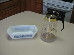 Pyrex Carafe and Glasbake Loaf Pan (twin72) Tags: blue vintage gold carafe pyrex loafpan glasbake currierives