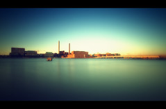 Power Plant Ruoholahti Helsinki (Marcus Klepper - Berliner1017) Tags: sea plant water suomi finland helsinki energy europe power kraftwerk verkaufen helsingin greyfilter scandinavien nd110 perfectangle