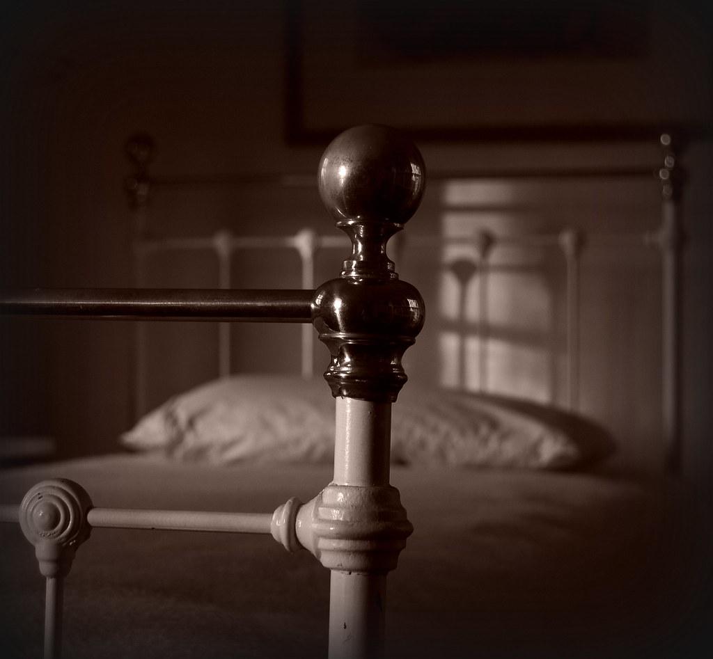 Brass bed in Danboro