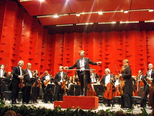 saludo director y orquesta