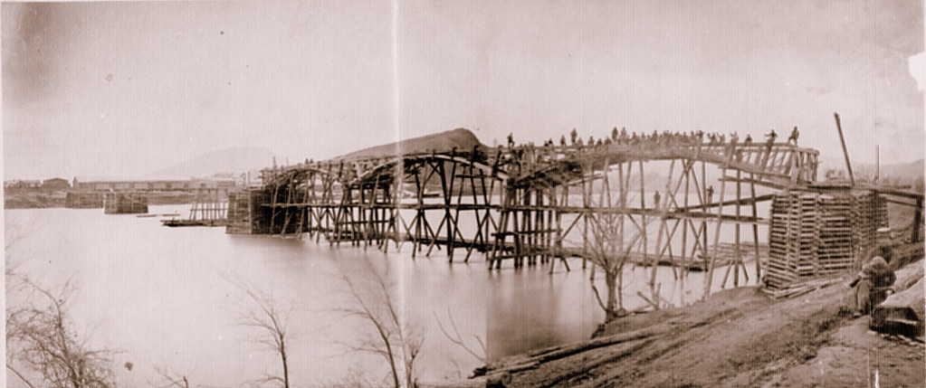 Civil-War-#25-Federal engineers bridging the Tennessee River at Chattanooga, March 1864