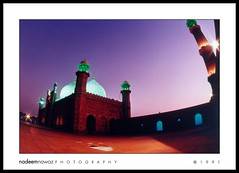 Badshahi mosque at sunset, Lahore Pakistan (nadPRINCE <Nadeem Nawaz>) Tags: travel pakistan sunset angle wide mosque fisheye punjab lahore badshahi