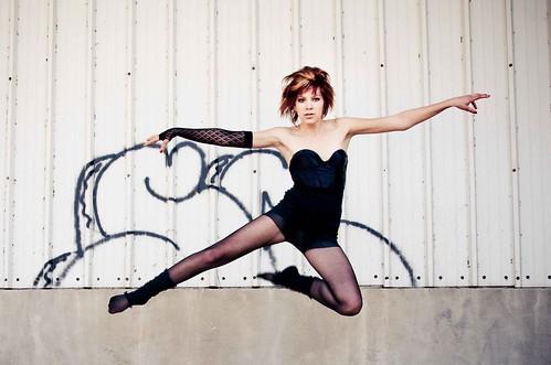フリー写真素材, 人物, 女性, 跳ぶ・ジャンプ, ショートヘア, アメリカ人,