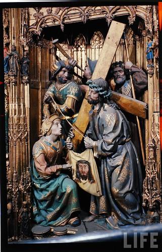 Detalle del altar mayor de la Catedral de Toledo en 1963. Fotografía de Dmitri Kessel. Revista Life (2)