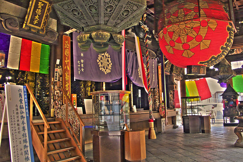 [HDR]inside of the main temple, Rokkakudo