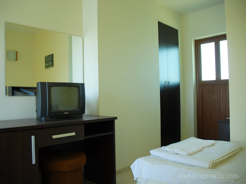 14double room floor 1 hotel koraba camping arapia