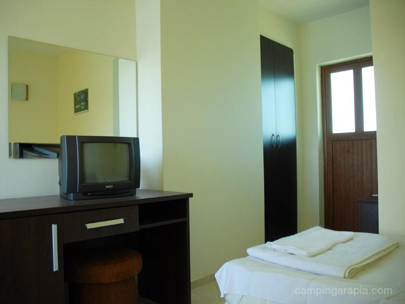 14double room floor 1 hotel koraba camping arapia
