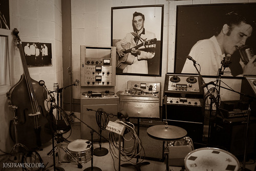 Inside Sun Studio (A) by josefrancisco.salgado.