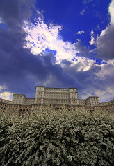 Palace of the Parliament, Bucharest (ionut iordache) Tags: flowers sky clouds canon romania bucharest bucuresti peopleshouse palaceoftheparliament canon450d canoneos450d canondigitalrebelxsi tokina1116mmf28atxdx