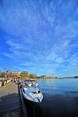 IMG_7662 (ehpien) Tags: canon boat waterfront kennedycenter img7662 nwwashington watergatecomplex 1224mmsigma 5dmkii