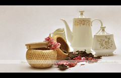 The Tea Set -   ({ahradwani.com} Hawee Ta3kees- ) Tags: stilllife nikon tea collection ali explore hassan 2009 lightbox teaset doha qatar   homestudio d90   studiosetup explored strobist   18105mm explore09 nikond90  nikond90club nikon18105mm hawee 18105mmlens  explore2009  explorejune09 haweeta3kees   ta3kees ahradwanicom ahradwani