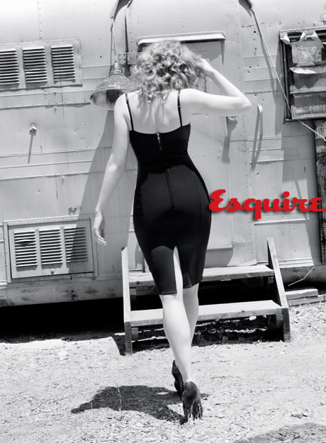 Christina Hendricks _ Esquire 5