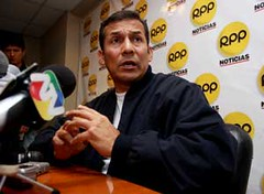 Humala trailing behind with Chavez support