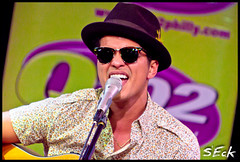 Bruno Mars (Stephen Eckert) Tags: philadelphia cafe live maxwell acoustic philly studiosession q102 brunomars wioq petergenehernandez xfinityperformancetheatre