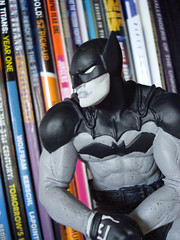 Paul Pope Batman Black & White statue