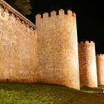 Avila: Muralla Lienzo Sur de noche