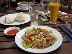 Lunch At Boddhi Tree - Phnom Penh, Cambodia (glazaro) Tags: food tree outdoors se restaurant cafe asia cambodia cambodian phnompenh southeast boddhi