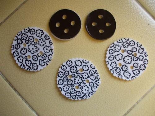 finished shrink art buttons