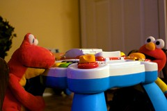 Elmo and Dino Play Chess