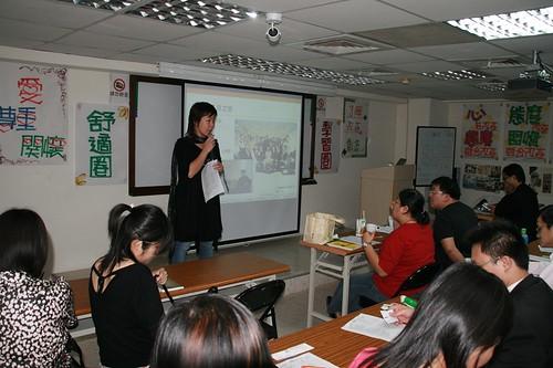 你拍攝的 20090319益讀俱樂部_鄭匡宇就是愛被罵014.jpg。