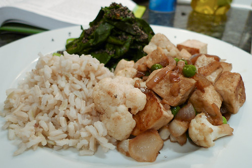 Simple Tofu Stir-Fry with Brown Rice and Spinach Gomae