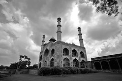 ~ (Creative_photography) Tags: red india blackwhite fort muslim islam pray mosque masjid newdelhi aak qotubminar