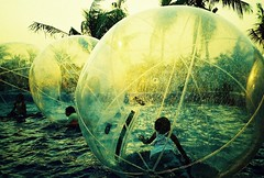 living in a plastic bubble (Stitch) Tags: sunset fun bay lomo lca xpro fuji philippines manila moa weekly sensia plasticbubble interestingness364 i500 fujisensia100f explore17apr09