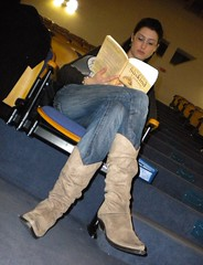 Alla Ligabbue! (brilliantdandy) Tags: sexy girl female teatro reading book legs boots theatre rehearsal stage onstage actor simona brilliant dandy commedia poeta brilliantdandy achillecampanile compagniacastelloerrante linventoredelcavallo