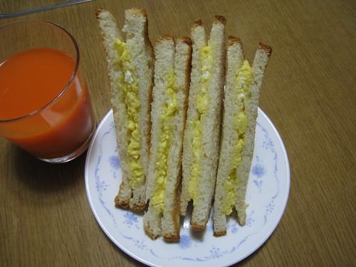 パルミジャーノレッジャーノのチーズエッグホットサンド