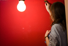 Malerarbeiten (Mats-en) Tags: rot lampe wand glhbirne birne streichen maler pinsel