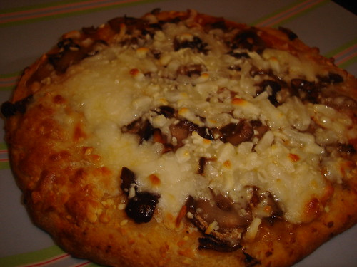 Amy's Mushroom & Olive Pizza