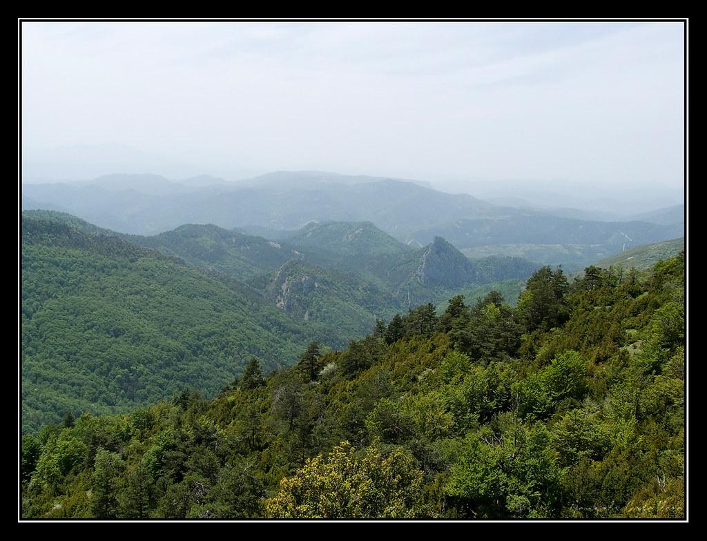 Valle del río Areta desde la cima de Remendía