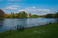 Regent's Park Boating Lake (jens.greitemann) Tags: park england london see unitedkingdom urlaub baum regentspark frühling ruderboot frhling london2009
